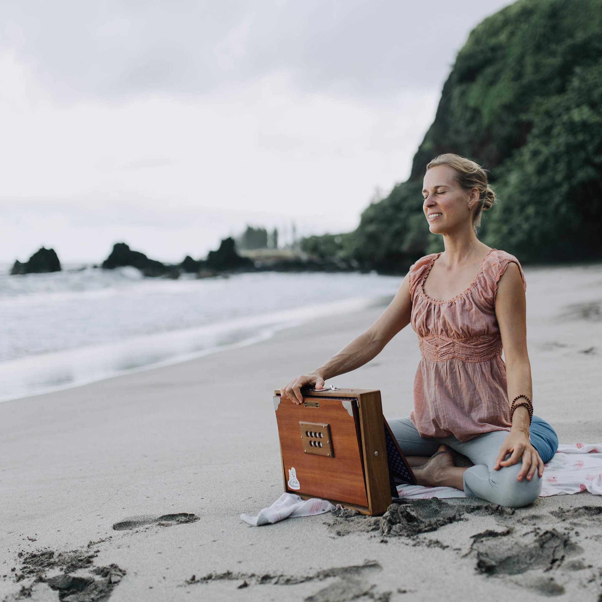 michele-ford-maui-yoga-8313x.jpg