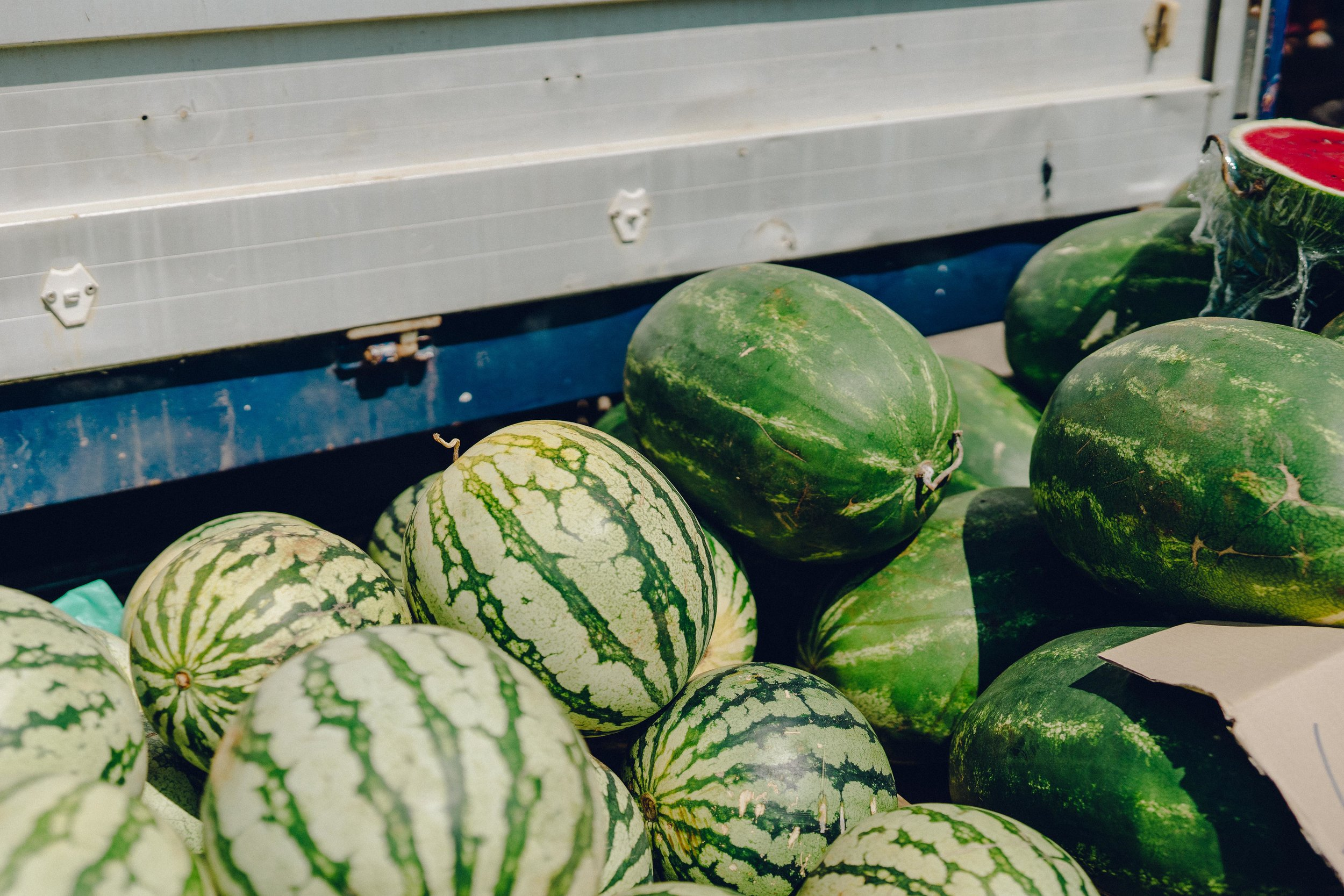 ASROSENVINGE_Roadtrip_Italy_Puglia_Martinafranca_Market_Watermelons-07201.jpg