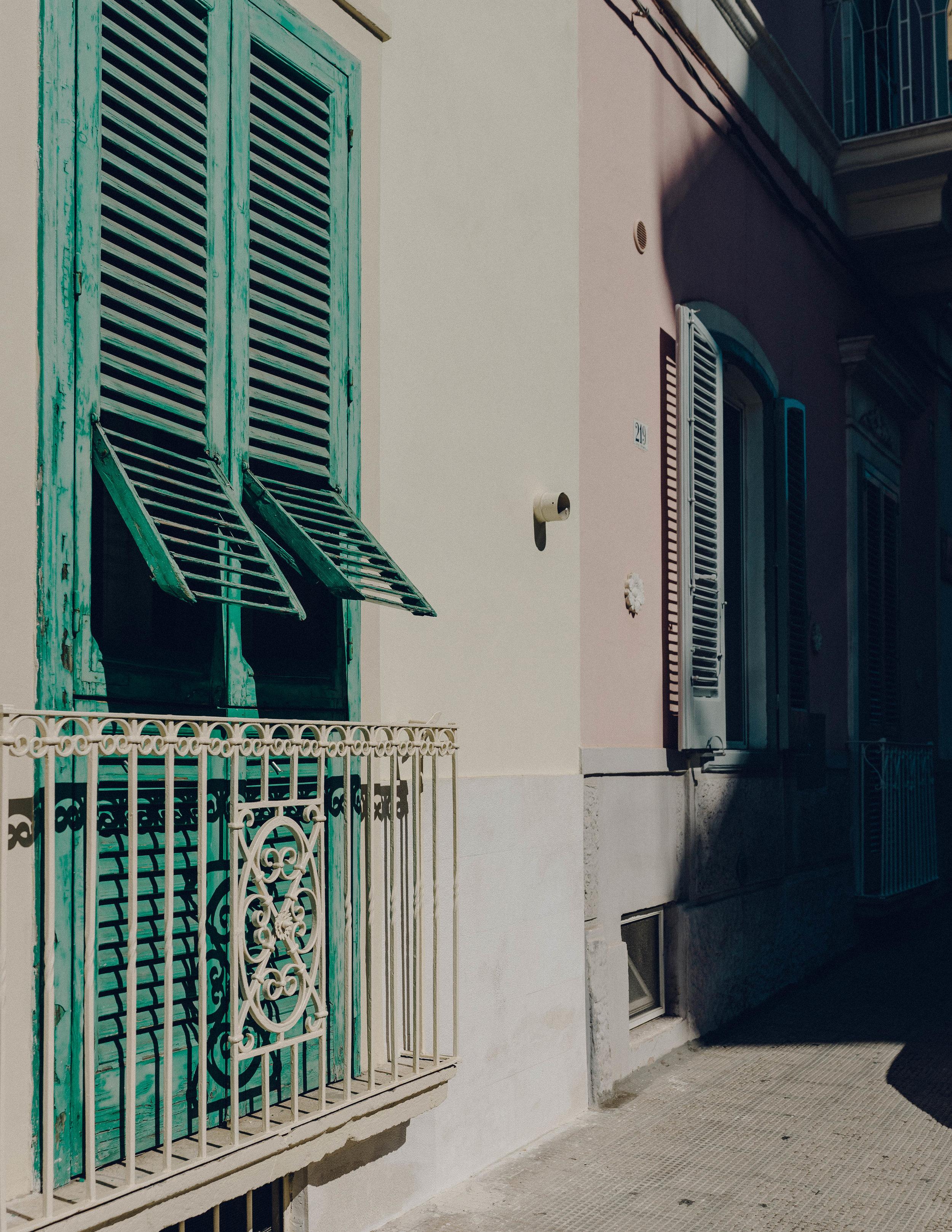 ASROSENVINGE_Roadtrip_Italy_Polignano_A_Mare-07023.jpg