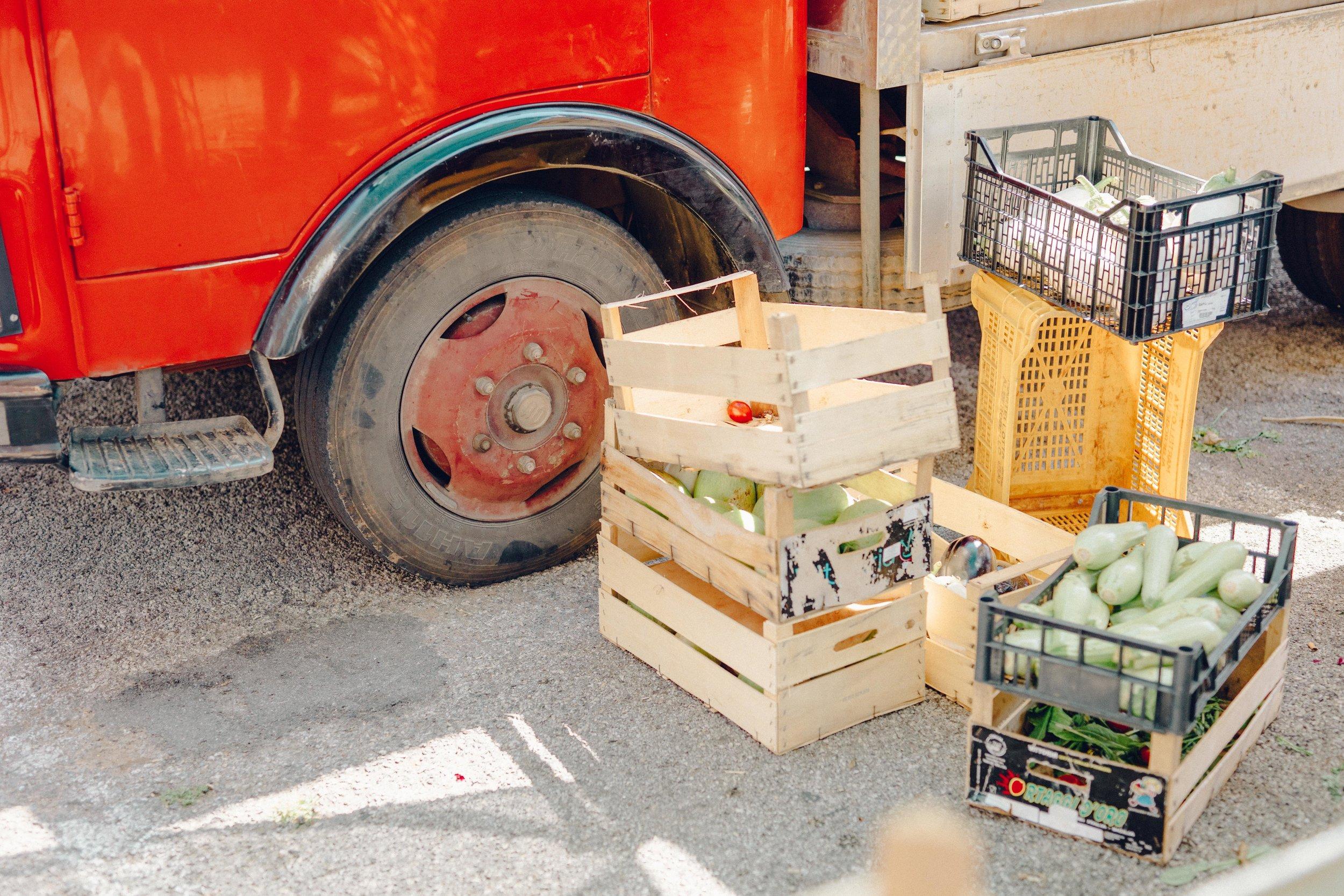 ASROSENVINGE_Italy_Roadtrip_Puglia_Martinafranca_Market-07209.jpg