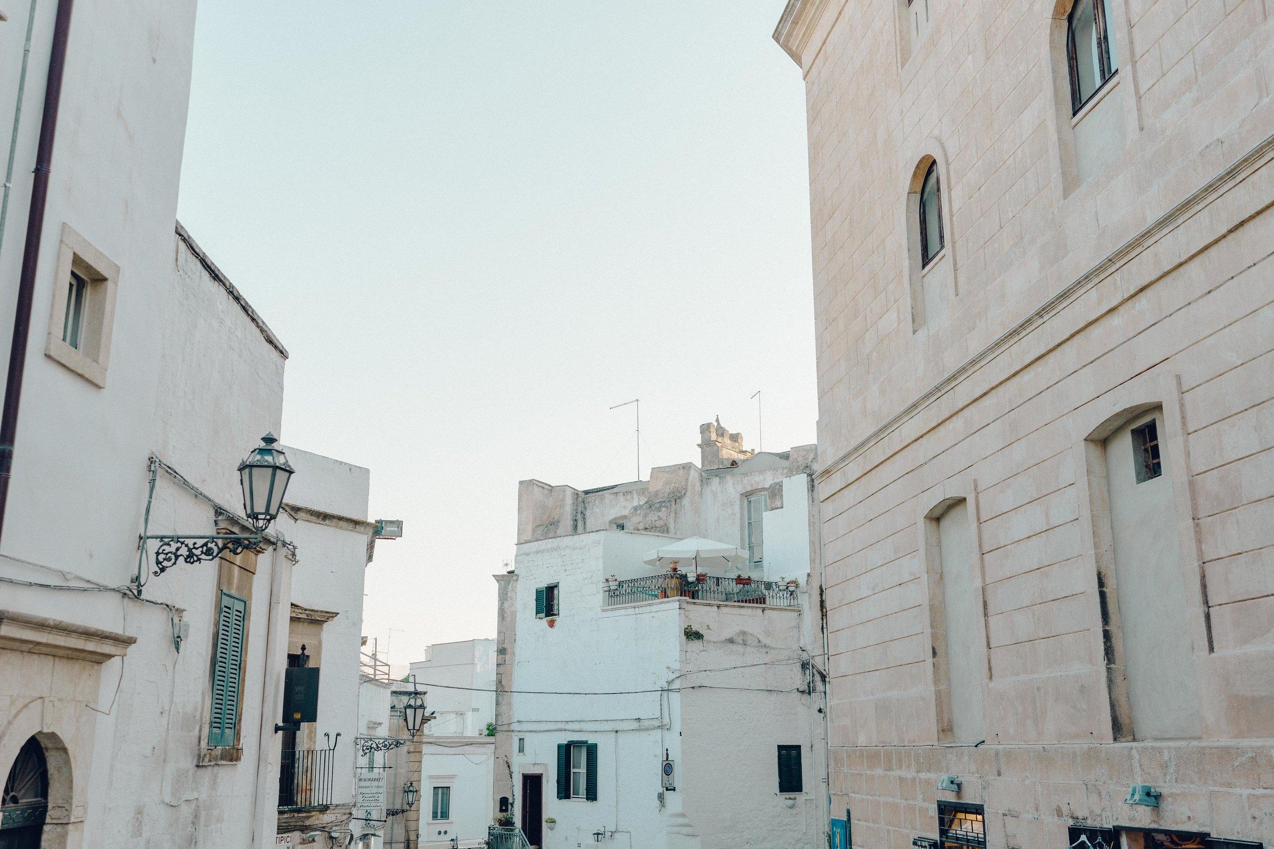 ASROSENVINGE_Roadtrip_Italy_Puglia_Zio_Ostuni-07338.jpg