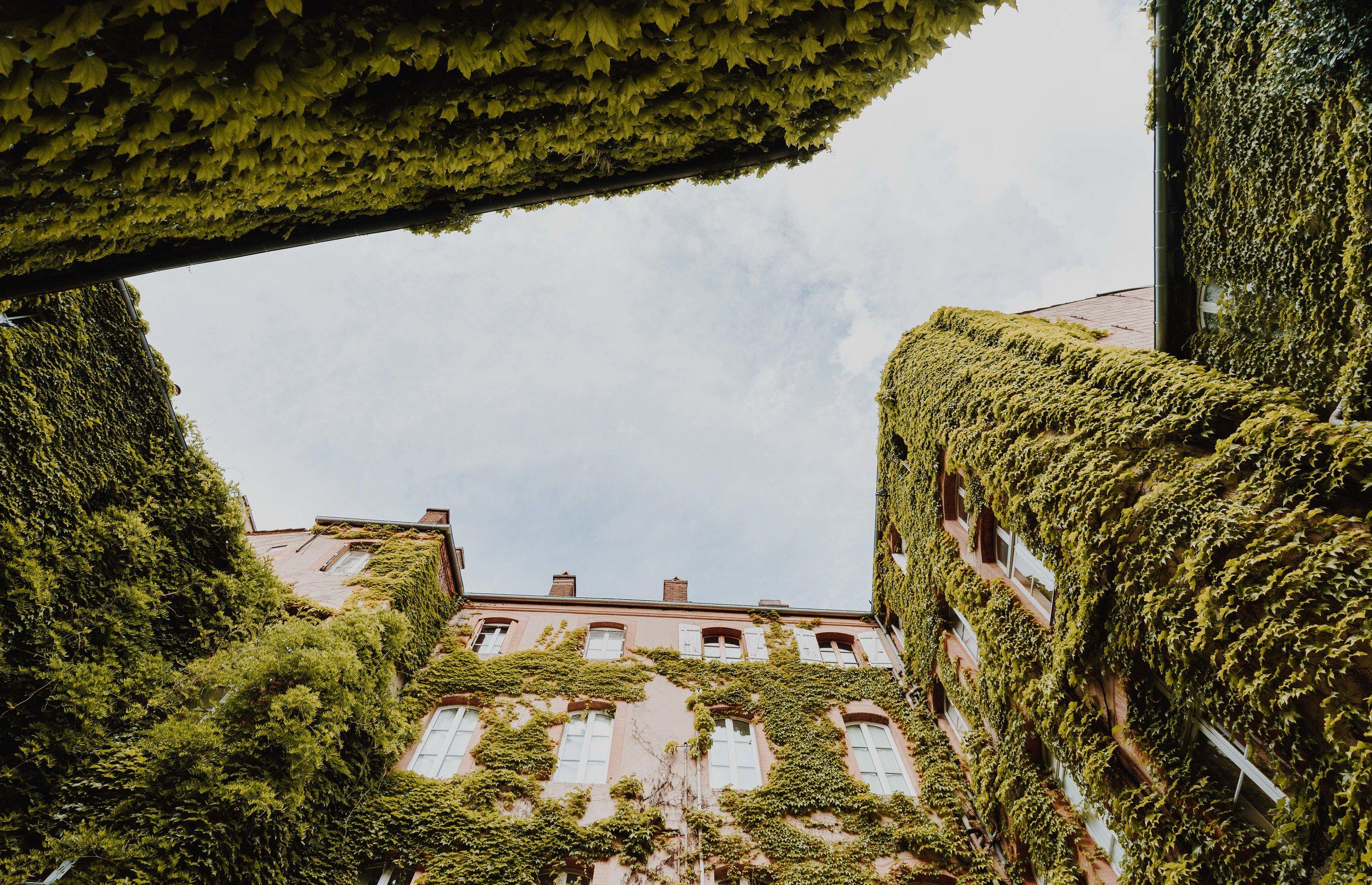 ASROSENVINGE_AtoutFrance_Toulouse_Green_Courtyard_LowRes-04782.jpg