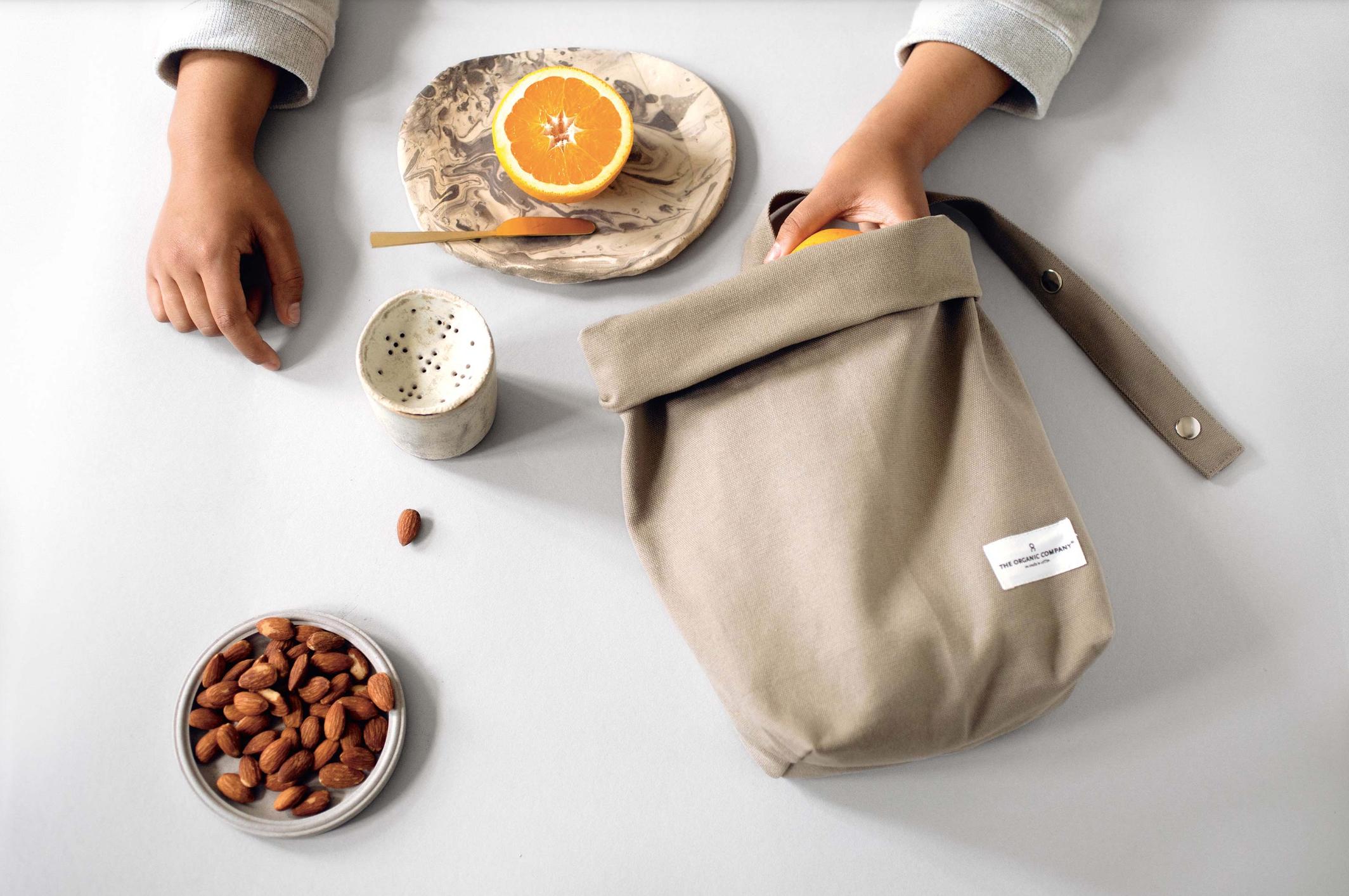 ASROSENVINGE_Organic_Company_Formland_Lunchbag.png