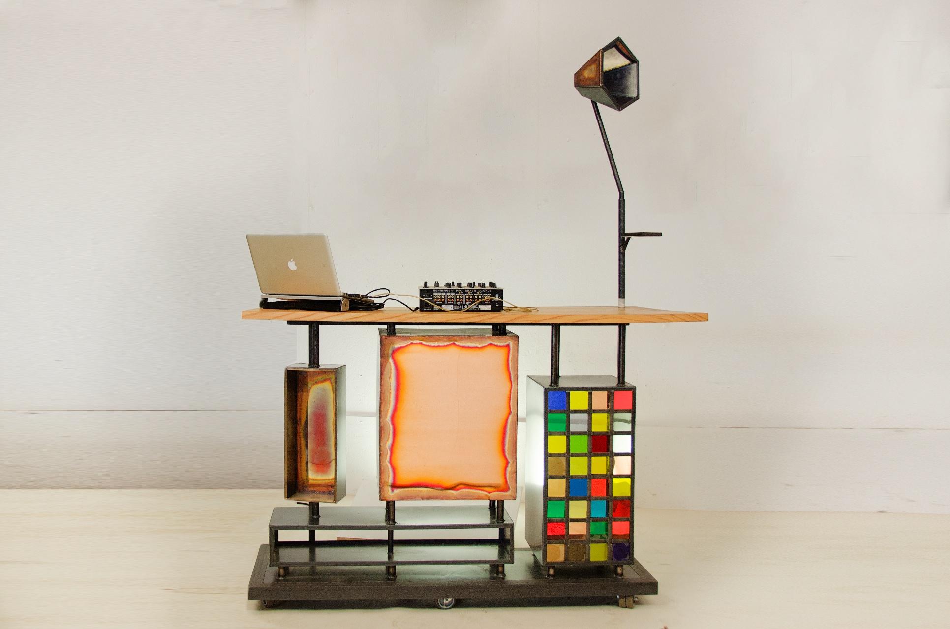 DJ booth for Hannekesboom, by Michiel Poelmann