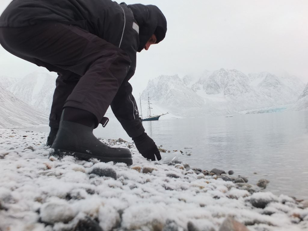 Joshua Abarbanel launching  Ice Boat . Photo by Richard Painter