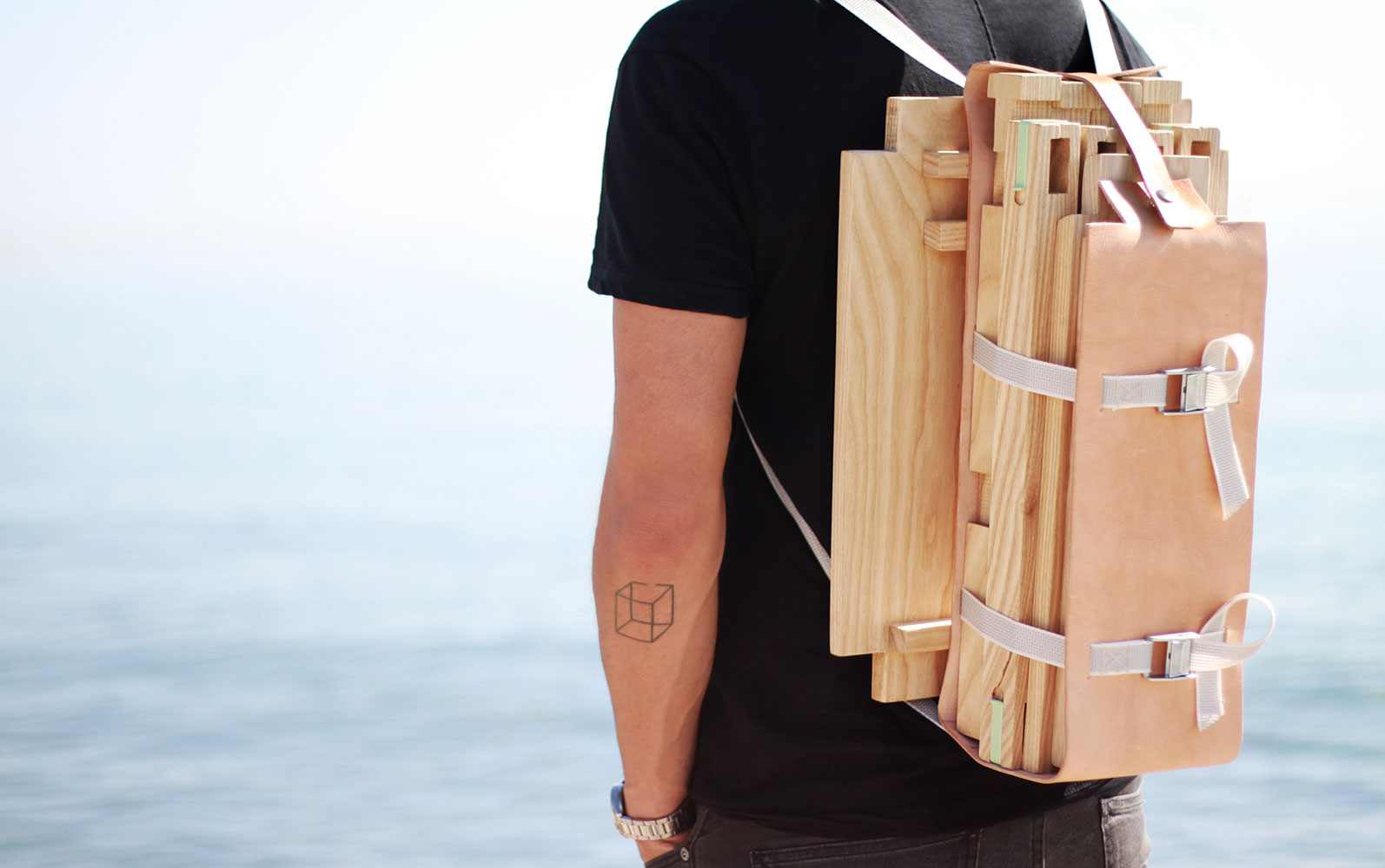Jorge Penadés'  Nomadic Chair , seen unassembled, and portable here.