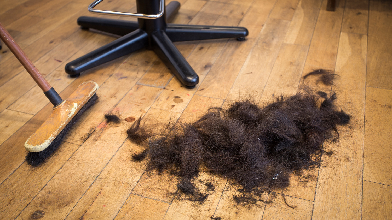 Using discarded human hair as a raw material, and natural resource–the basis of Sanne Visser's 'The New Age of Trichology'.