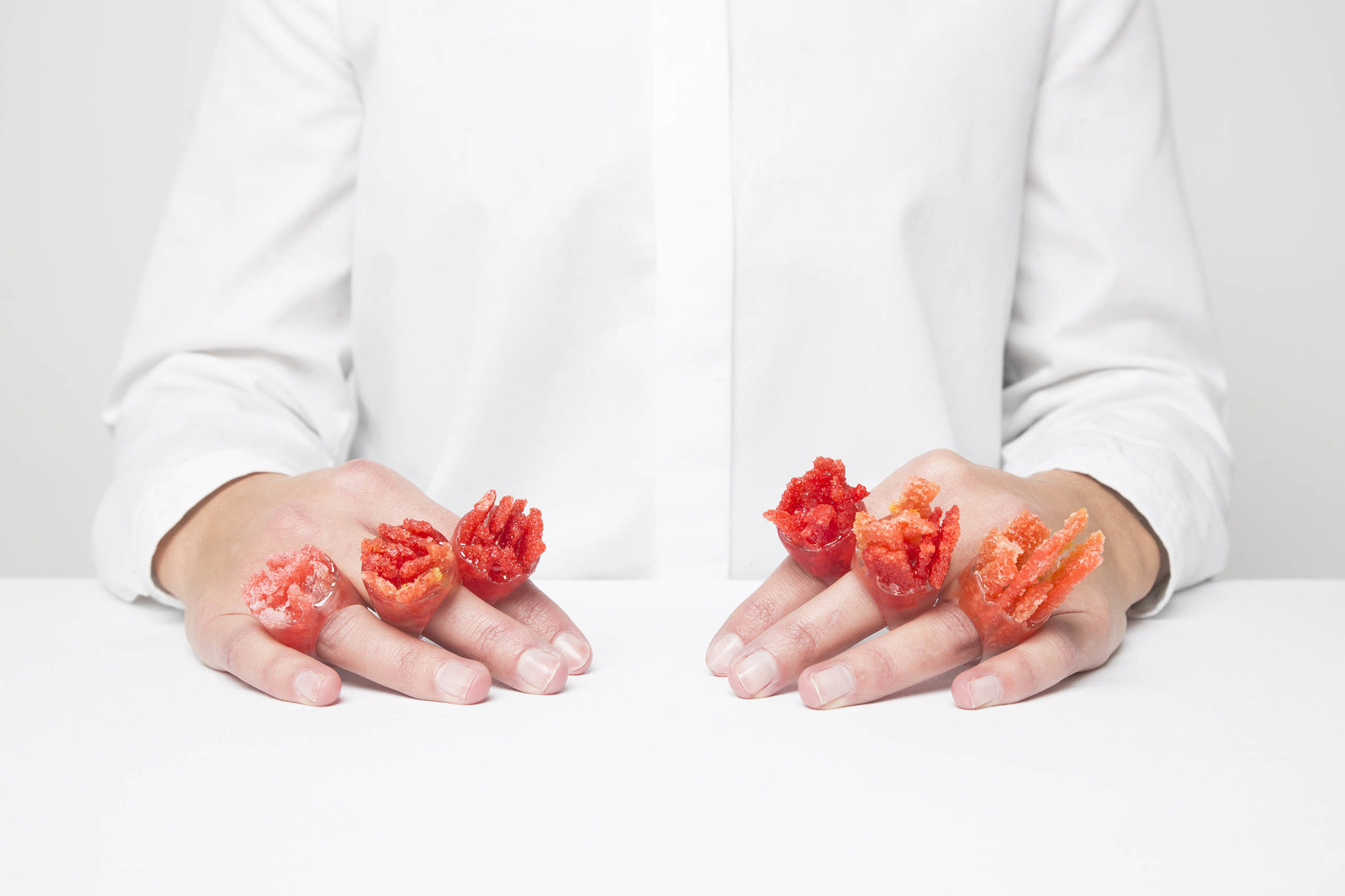 Bloodcoral candy floss rings by Martijntje Cornelia, Photography Cindy Damen
