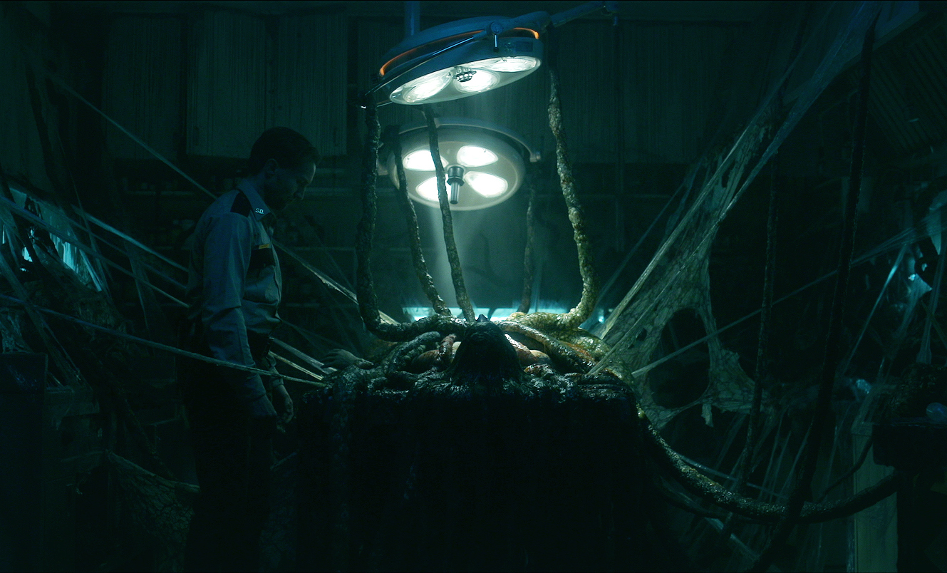 Aaron Poole stars in  The Void , a new horror film by directors Jeremy Gillespie and Steven Kostanski