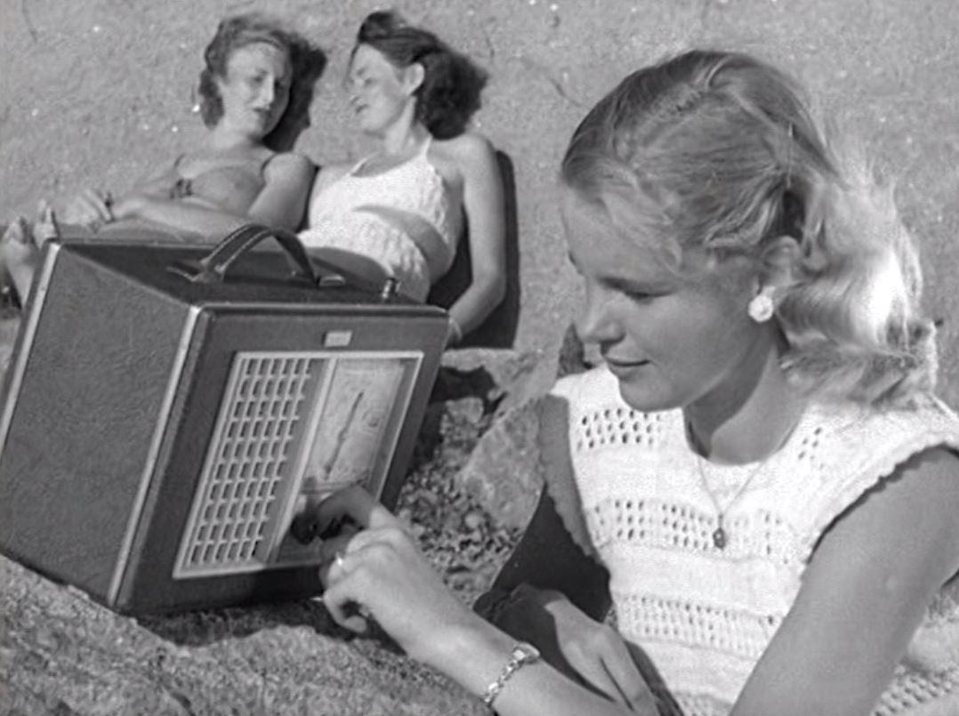 Strandhugg (1950) by Arne Sucksdorff