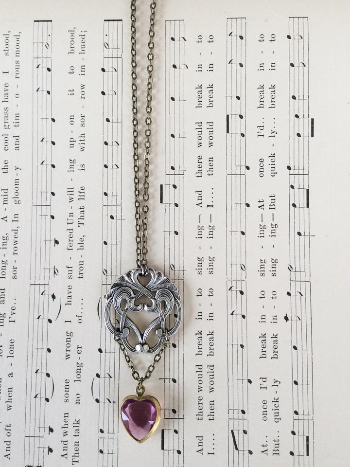 n-orn38<br>filigree & crystal heart</br>