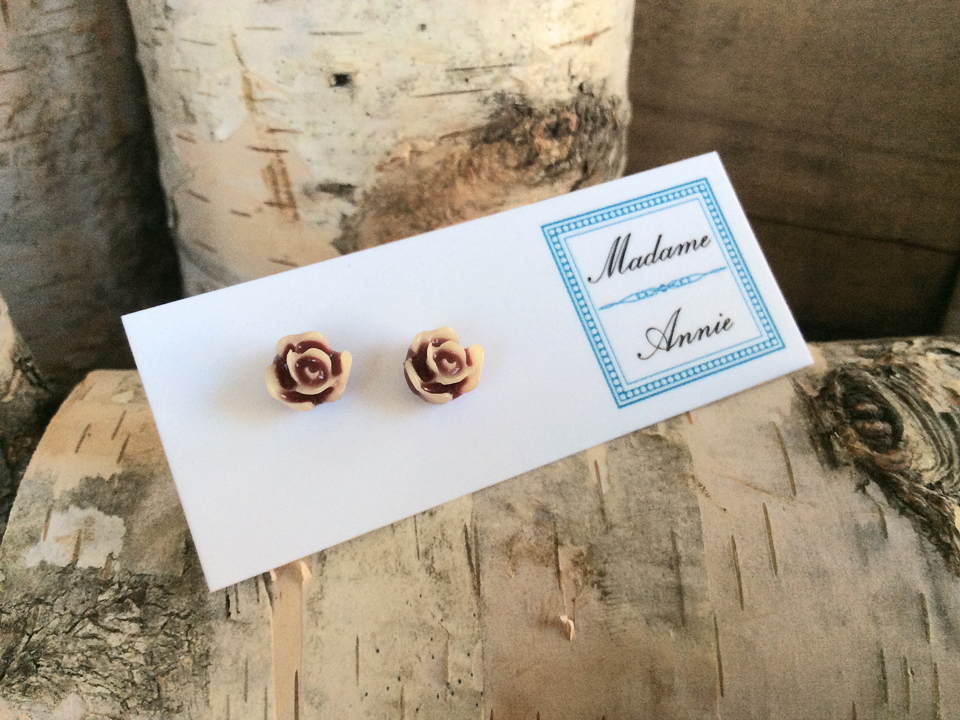 e-stud23<br>burgundy & cream roses</br>
