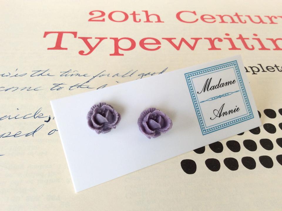 e-stud4-lv<br>lavender small roses</br>
