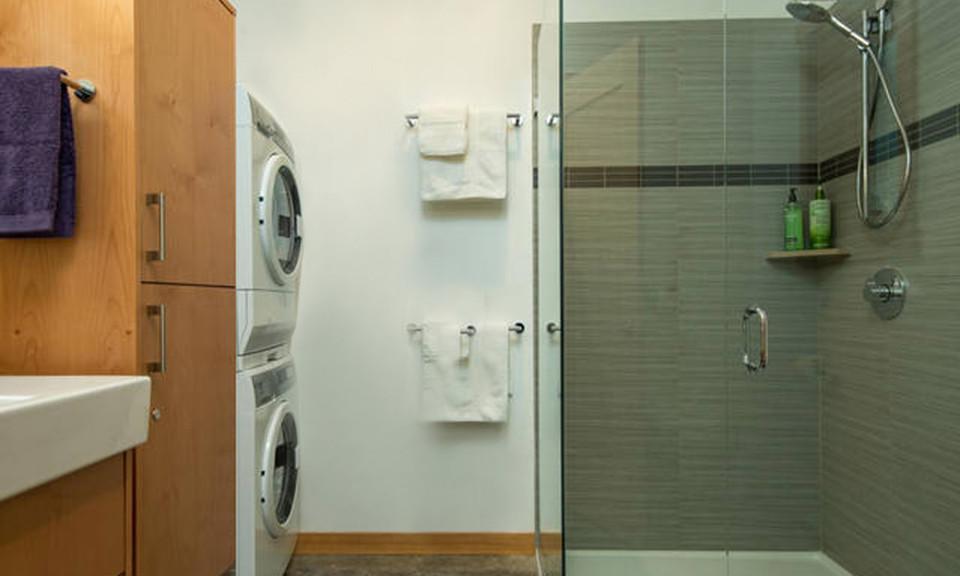 Modern-Bathroom-960x576.jpg
