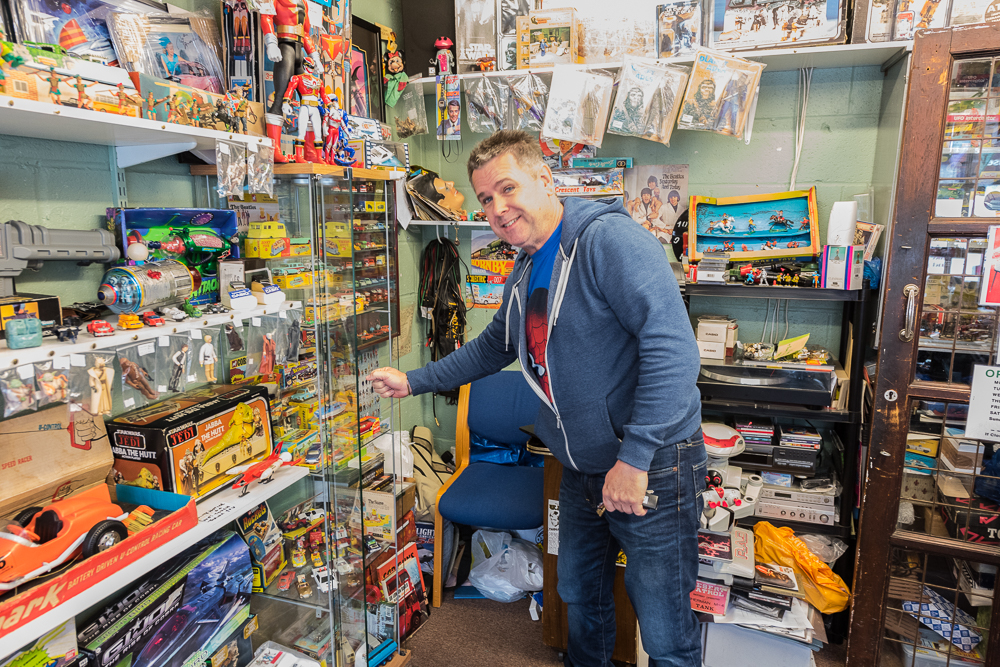 Martin's toys & memorabilia    Martin's toys and memorabilia occupies the position at the front of the market facing into the street. Martin is a life long expert on vintage and retro toys form the fifties to nineties.