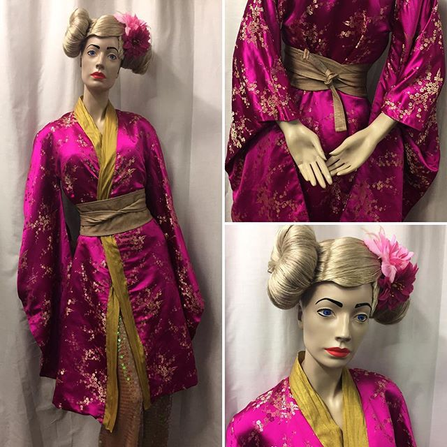 "Check out the fabulous fuschia pink Kimino style gown from the @red.yellow.blue.green (the artist formerly known as"" Red Liquorice). Styled with beige leather Obi belt and sequin jumpsuit. 50% of the proceeds go to help Red continue her amazing work with refugees around the world. #kimonostyle #supportrefugees #festivalstyle #woodstreetindoormarket #shoplocal #fuschia"