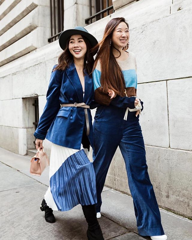 besties that coordinate outfits together, stay together 👯‍♀️💙 (Repost: @stylevoila) #nyufashion