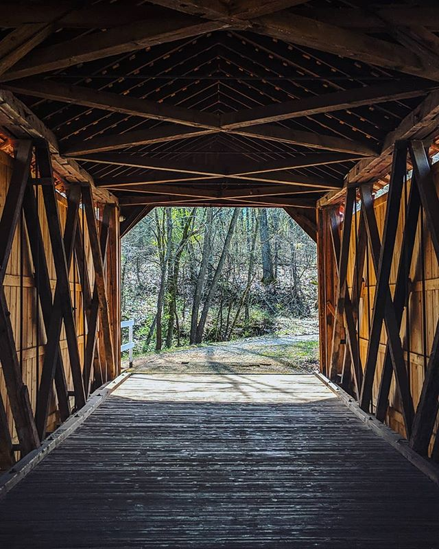 The world needs more covered bridges. 👌 #exploremissouri #stl(ish)