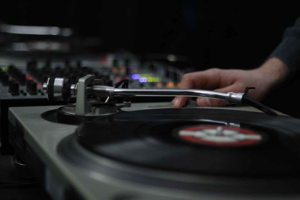 record-vinyl-turntable-night-vehicle-dj-1178855-pxhere.com.jpg