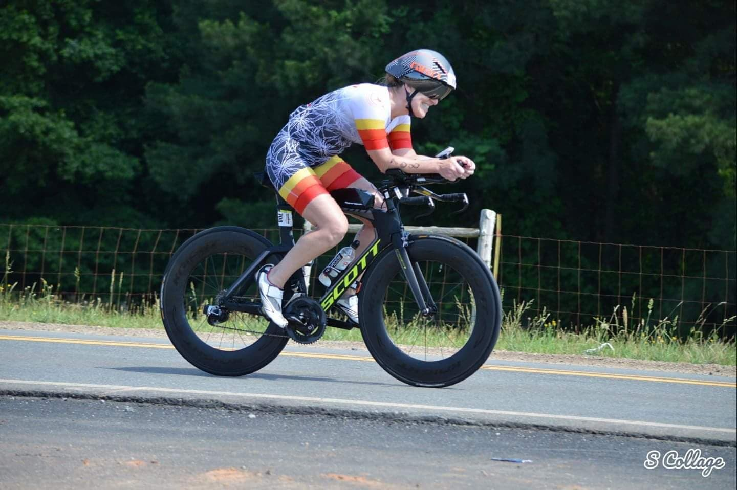Mandy Midgett in aero position on her Scott Triathlon Bike.