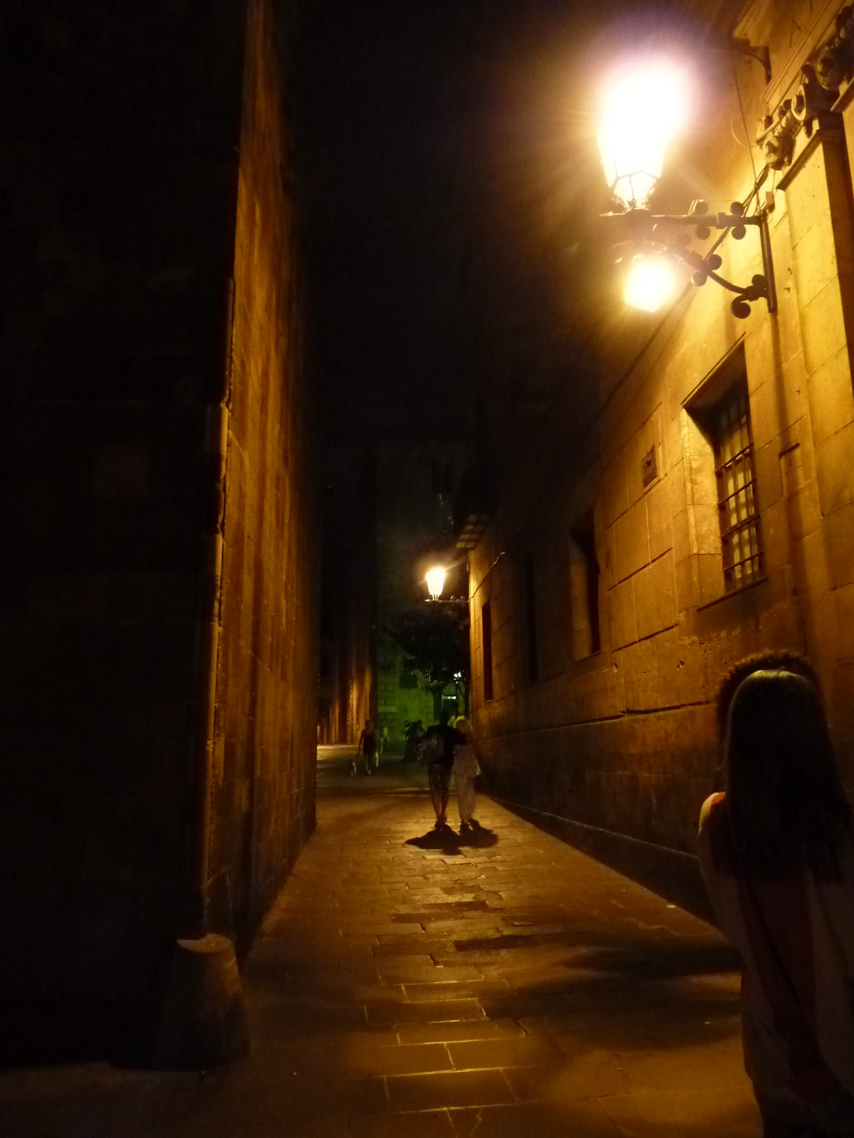 Barcelona-night-streets.jpg