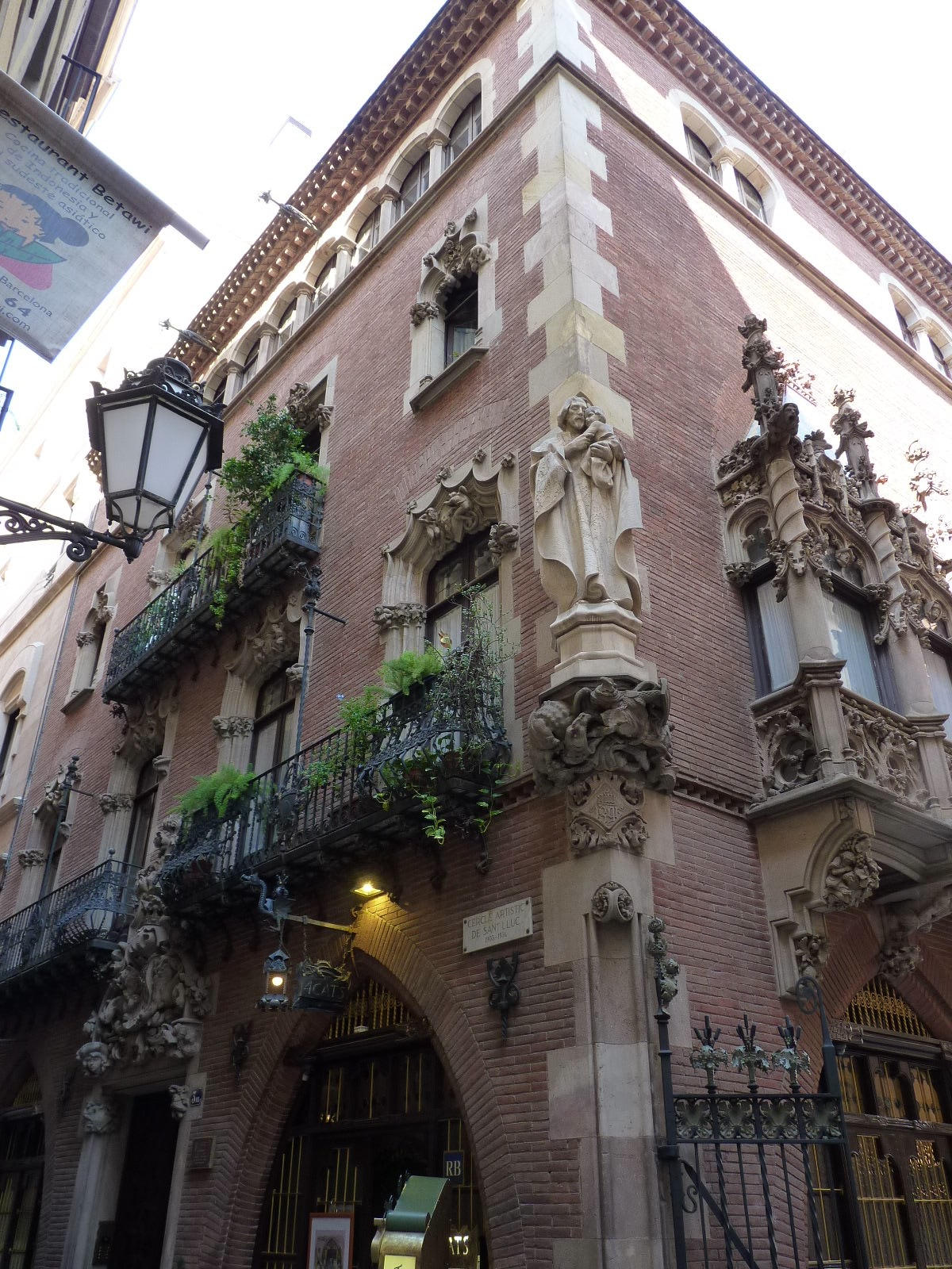 More-Barcelona-Architecture.jpg