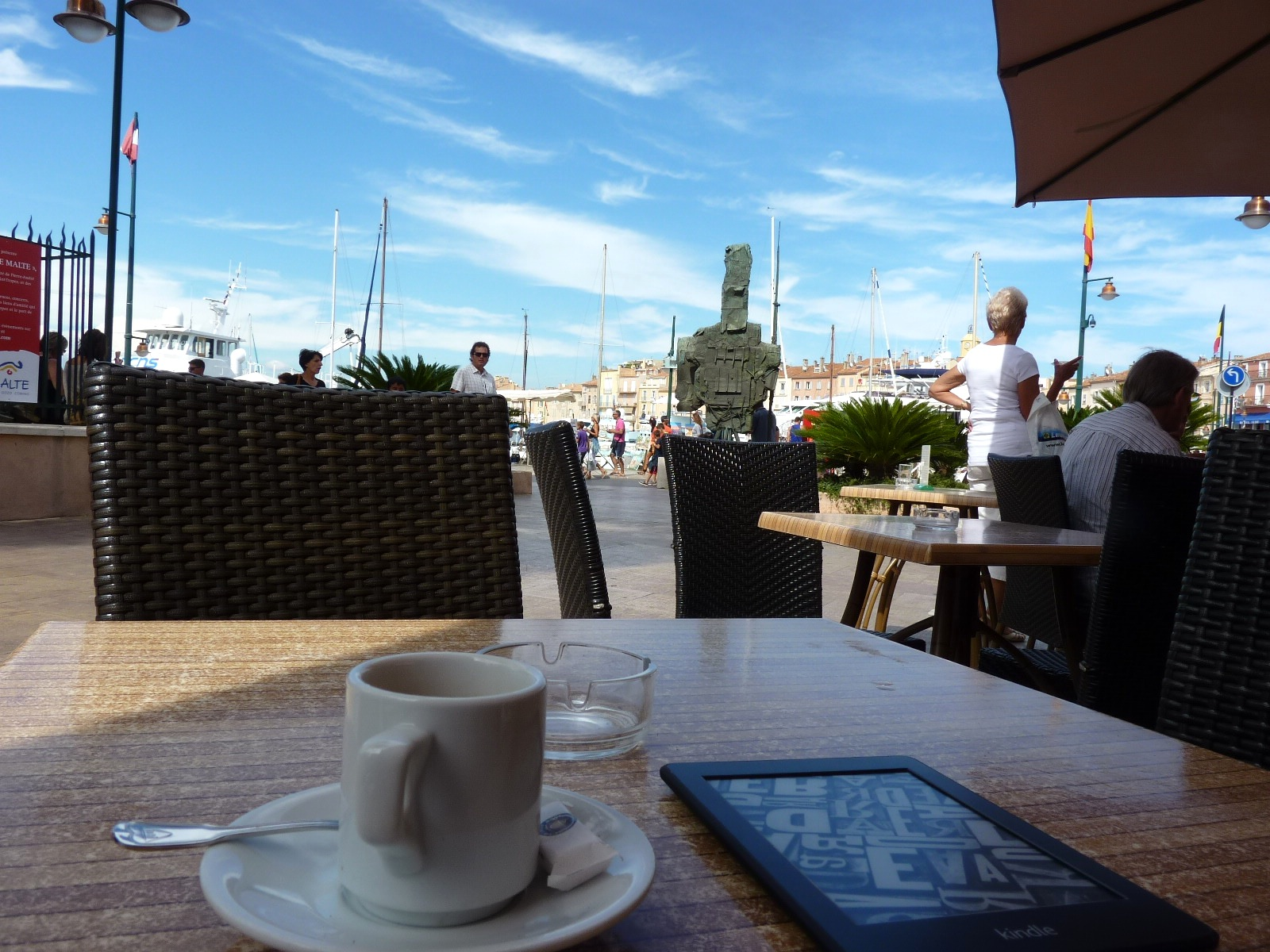 St-Tropez-cafe-on-the-plaza.jpg