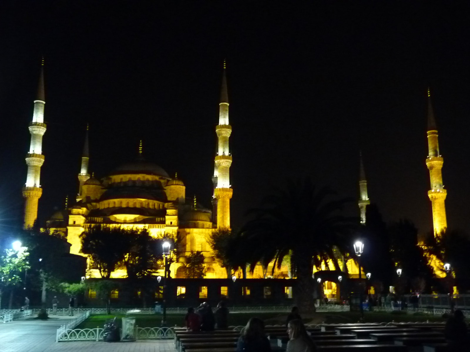 Nightime-Blue-Mosque.jpg