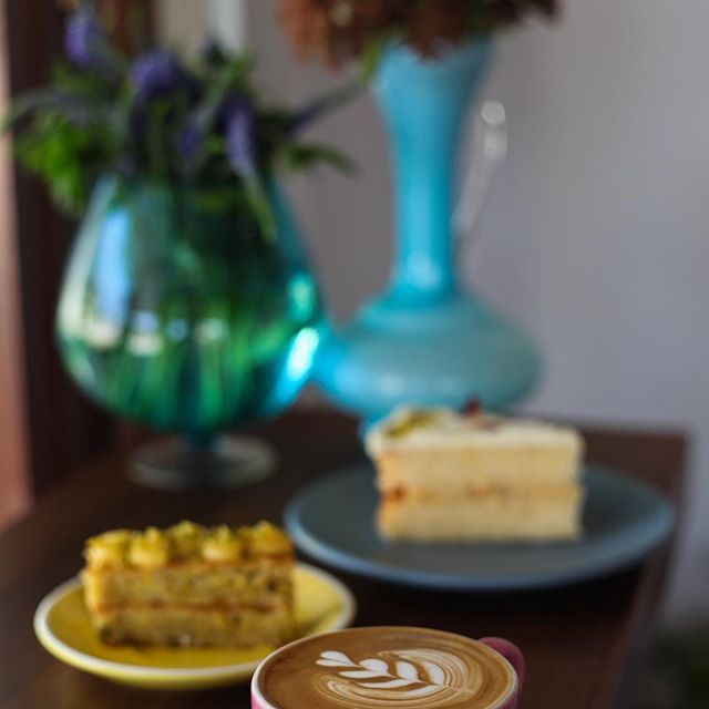 New school term ready @gillstcafe . . . . . #gillstcafe #perthfoodies #urbanlistperth #mosmanparkcafe #shoplocal #homemadecake 📷 @h_o_l_y_m_o_l_y