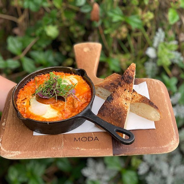 Warm up this weekend with our  gill st baked eggs, piperada & chorizo, whipped feta & turkish toast  #betterthanvans  #pertheats #perthbreakfast #bakedeggs #gillstcafe #autumneats