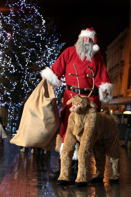 1-Giant-Santa.jpg