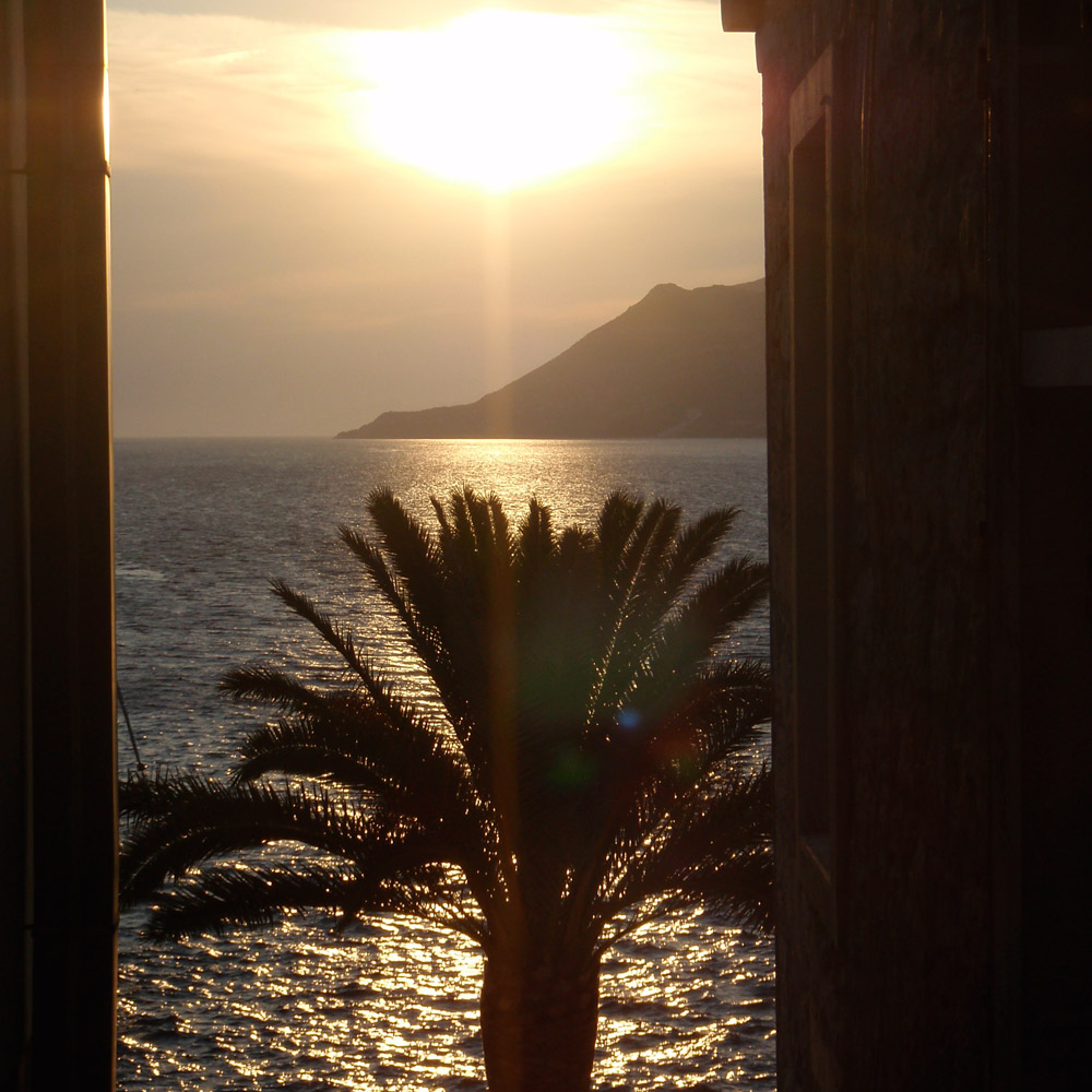 Reservations-Lesic-Dimitri-Hotel-2