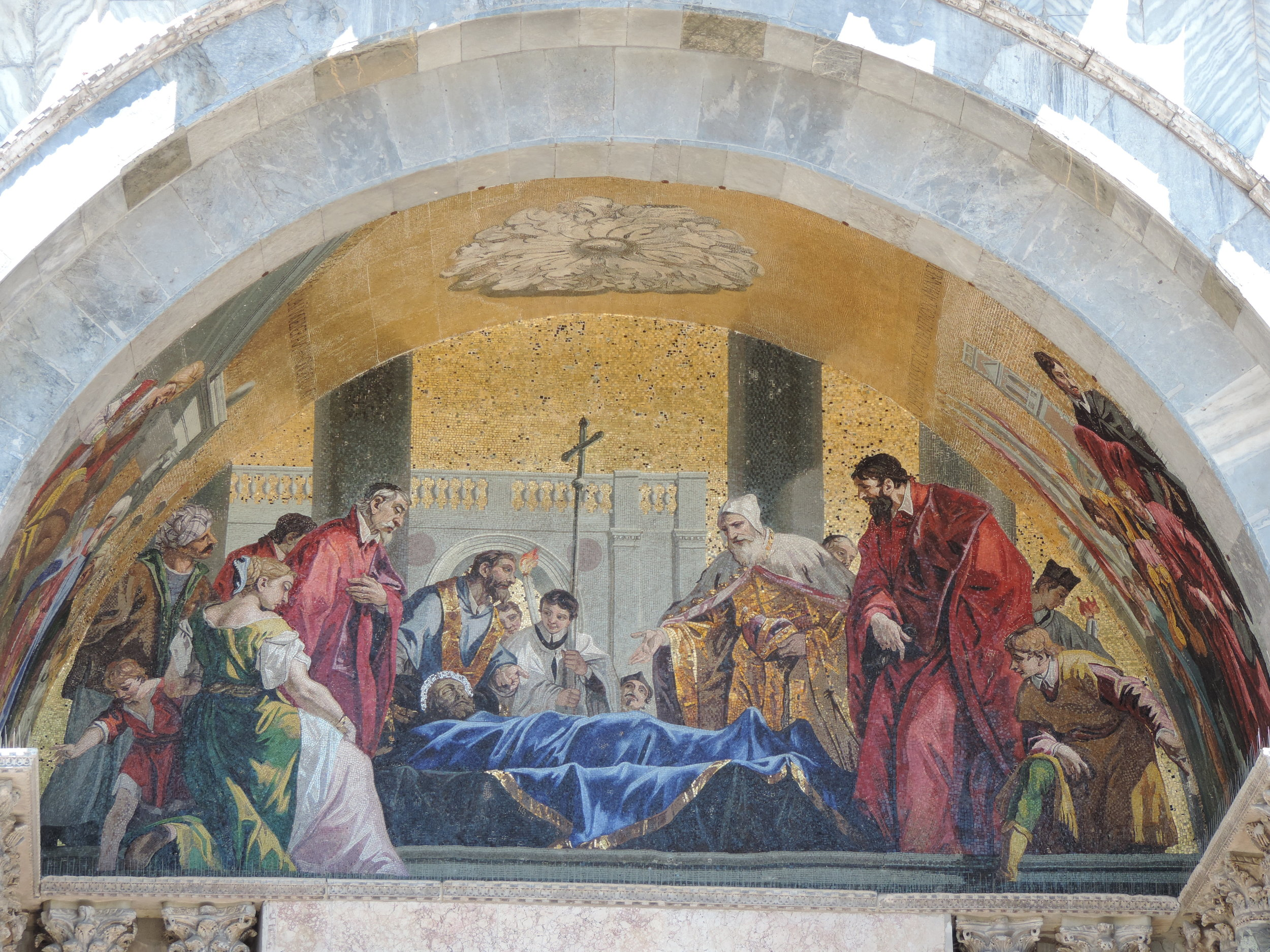 Religious imagery on the facade of the Basilica
