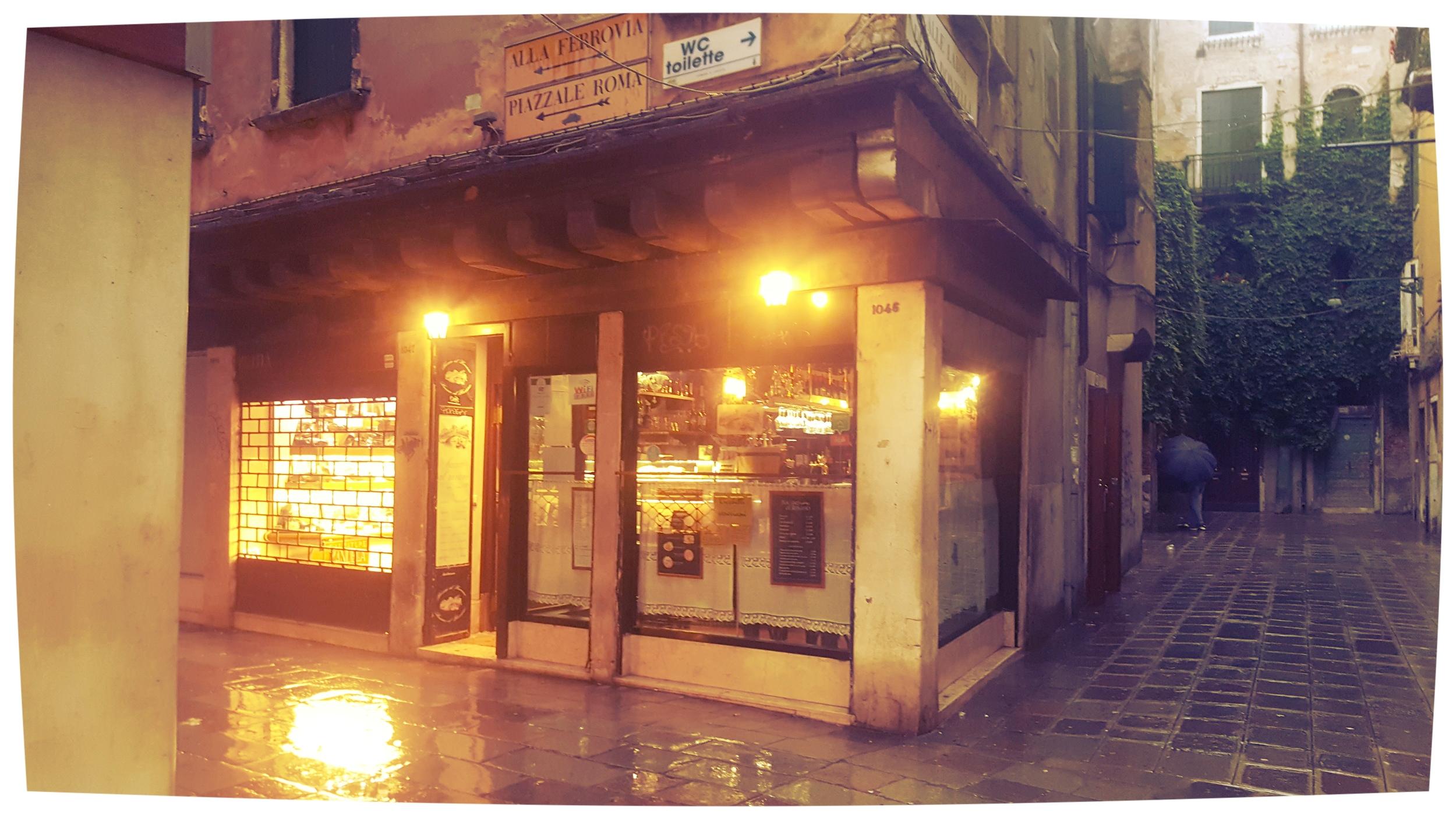 Local Baccari bar