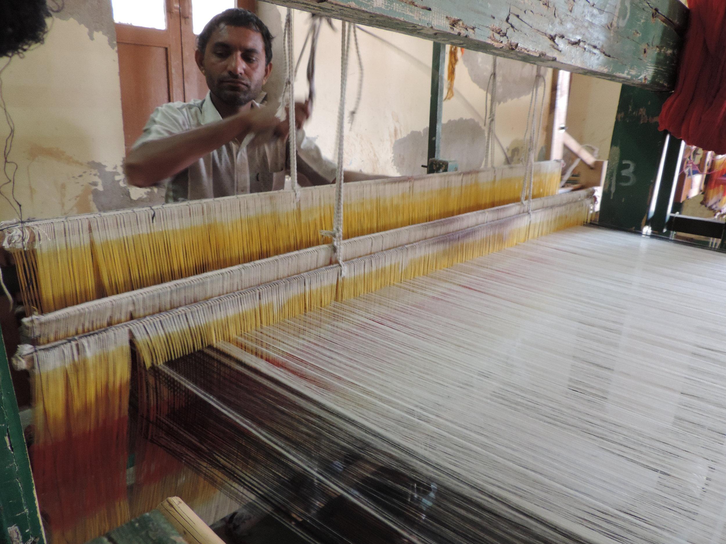Weaver handlooming