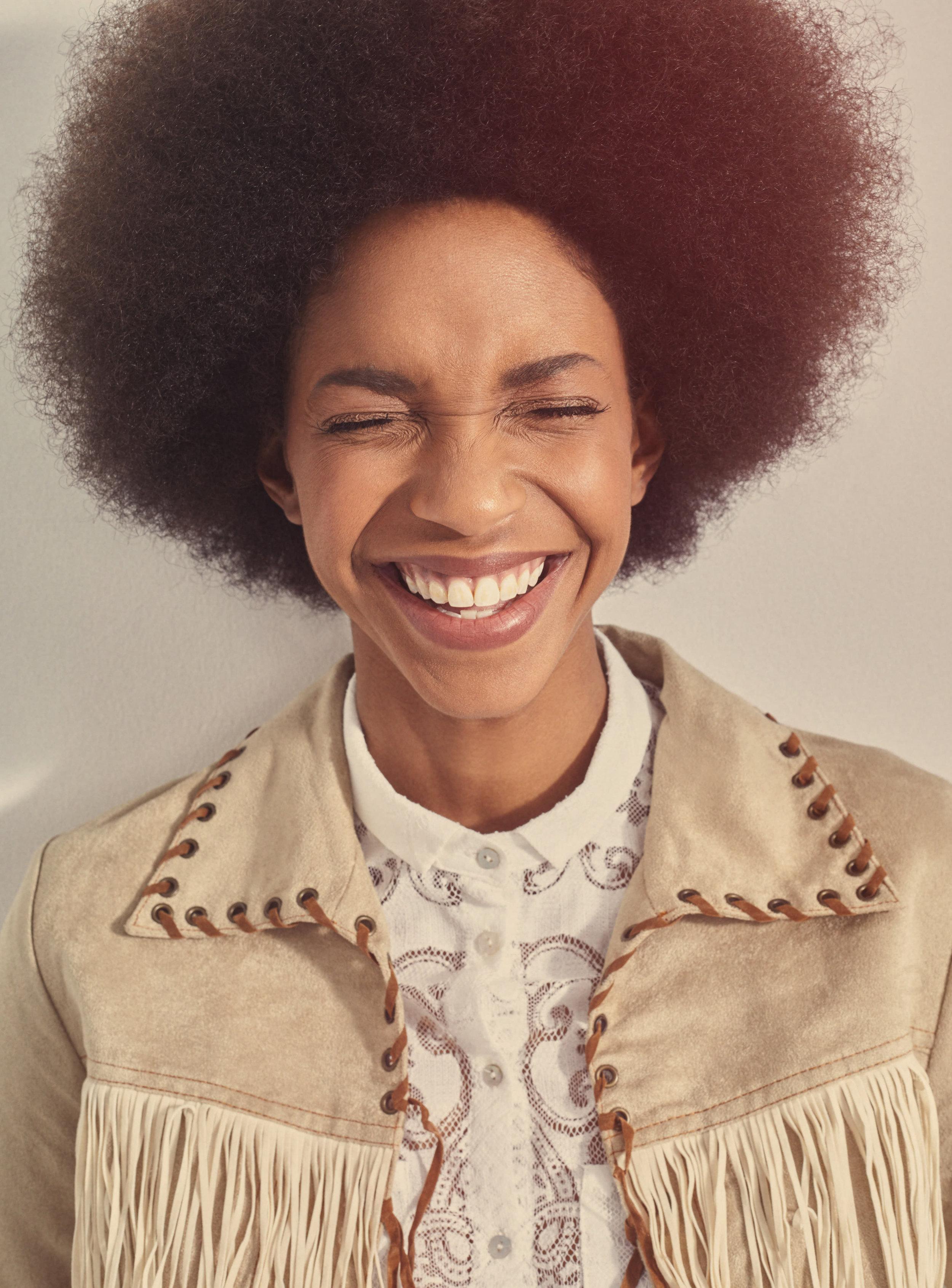 Retro-Afro-Girl-Smiling