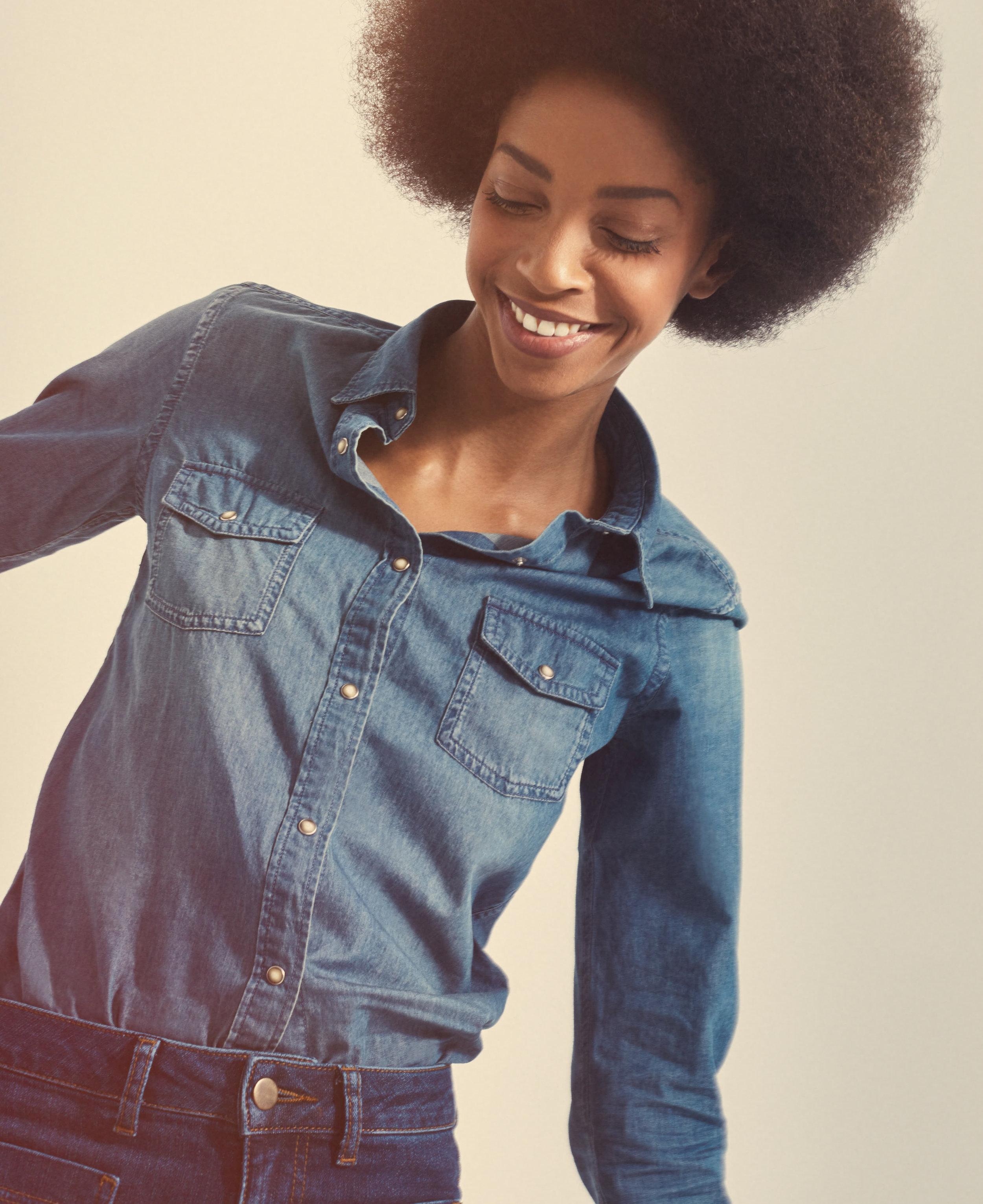 Retro-Afro-Girl-Laughing-Womenswear