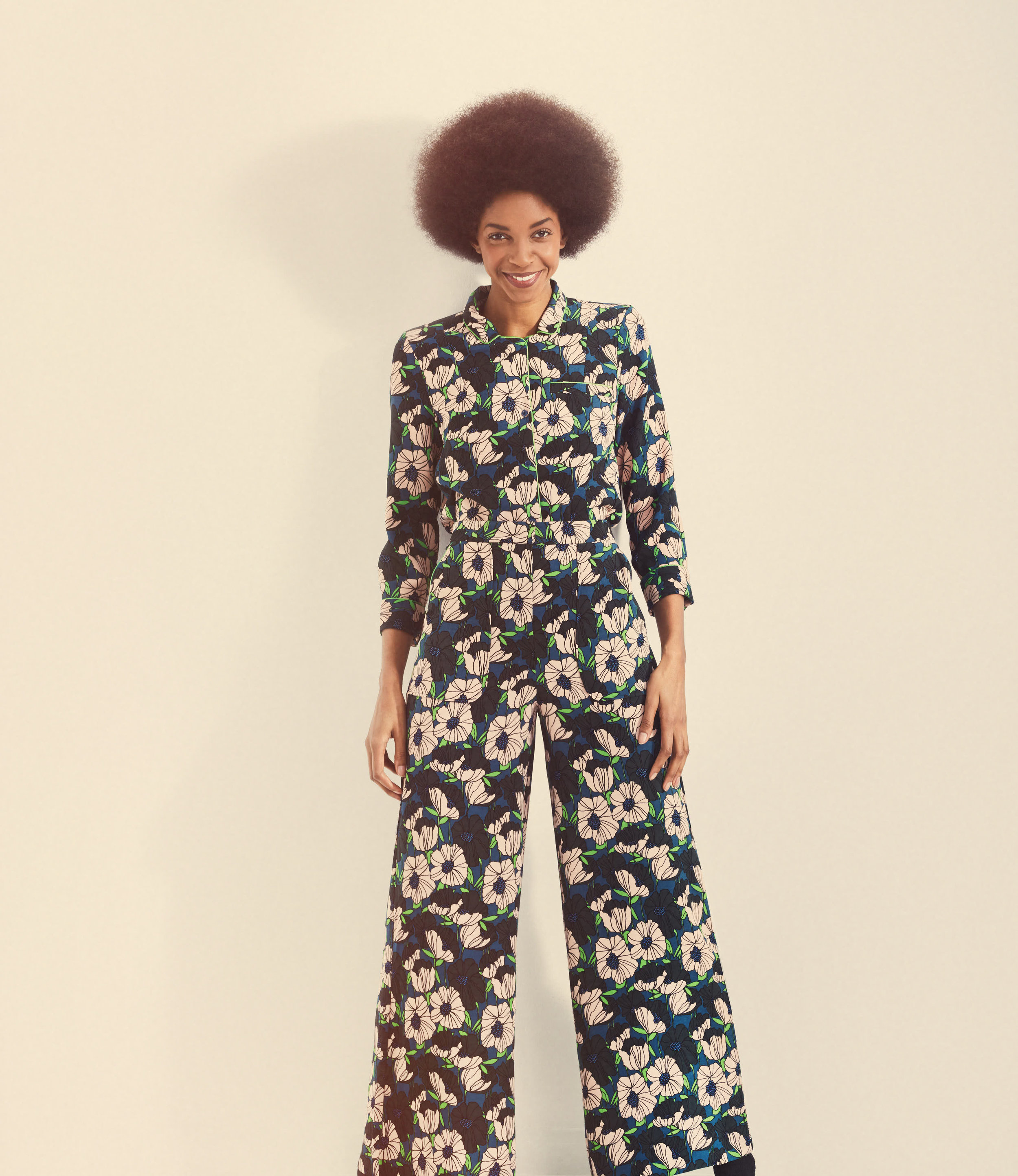 Retro-Afro-Girl-Smiling-Northern-Soul