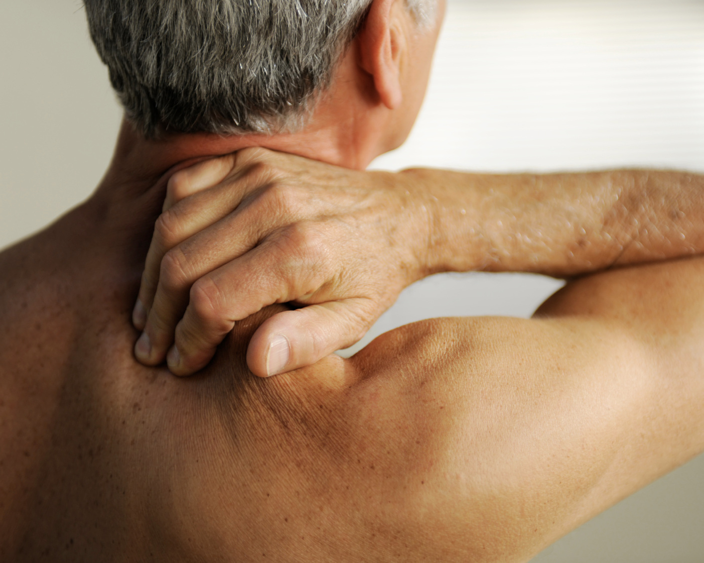 CHRONIC PAIN & SPORTS INJURY - FROZEN SHOULDERSTRAINS & SPRAINSNECK & BACK PAINMIGRAINES & TENSION HEADACHEINFLAMMATORY JOINT PAINFIBROMYALGIATENNIS ELBOW & GOLFERS ELBOWOSTEOARTHRITIS - KNEE, HANDS & SHOULDER PAIN