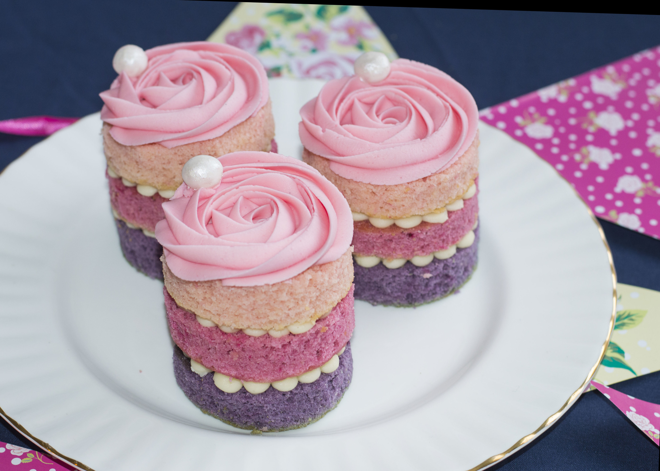 Ombre and pearl layer cakes