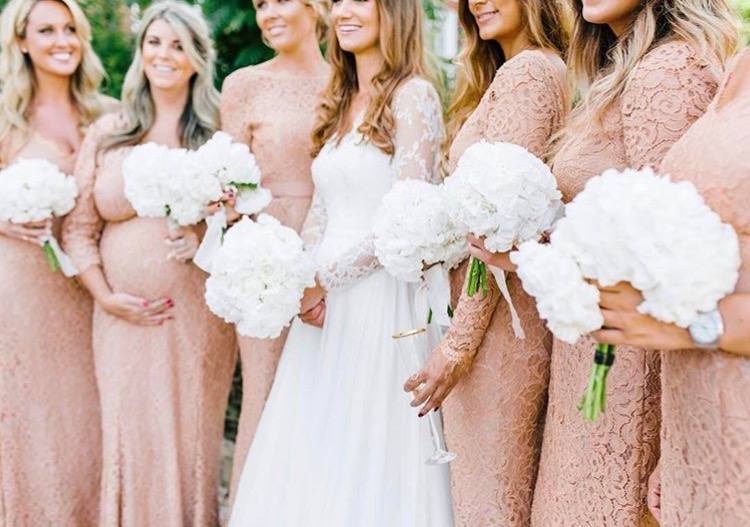 Eliza and her bridesmaids at Pynes House - Photo:  Amy O'Boyle