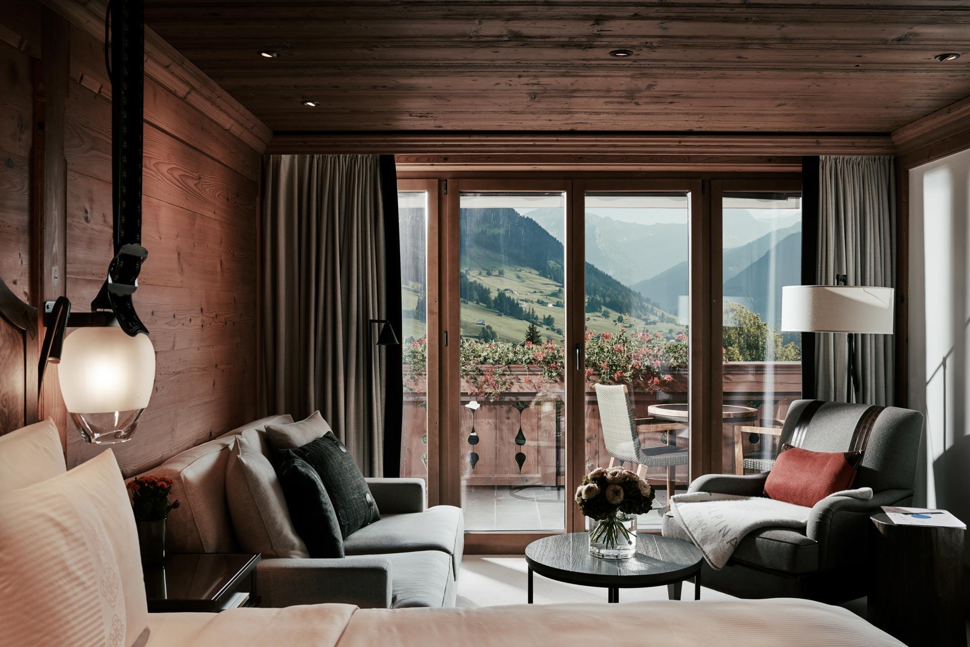 deluxe-room-gstaad-the-alpina-gstaad-301-001.jpg