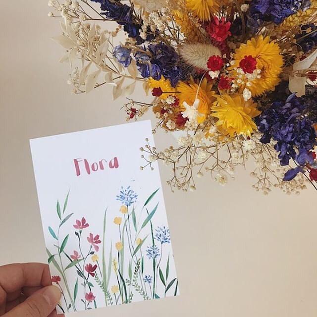 Hello little girl Flora and big thanx for the nice assignment @josefienenaugust . . . #babygirl #wildflowers #geboortekaartje  #birthcard #baby #flowers #handmade #driedflowers #summerflowers #birthannouncement #watercolor #graphicdesign #verjaardag#geboortekaartje #geboorte #wildebloemen #antwerpen  #lauramuls