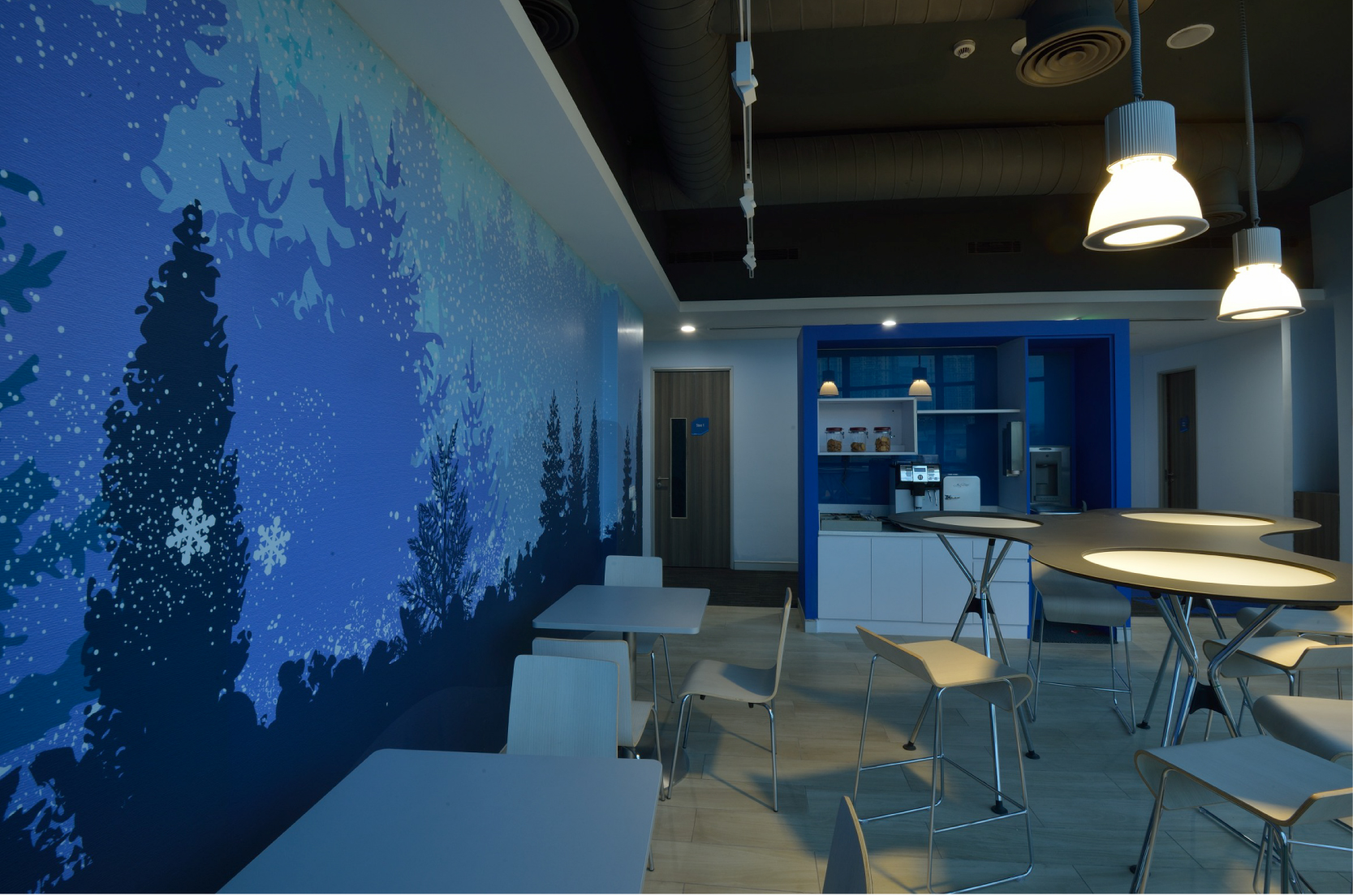 Cairn Corporate Office_Branded Spaces_Elephant Design_7.jpg