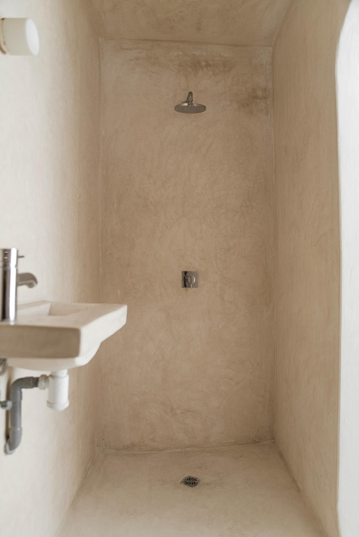 En suite bathroom for bedroom four