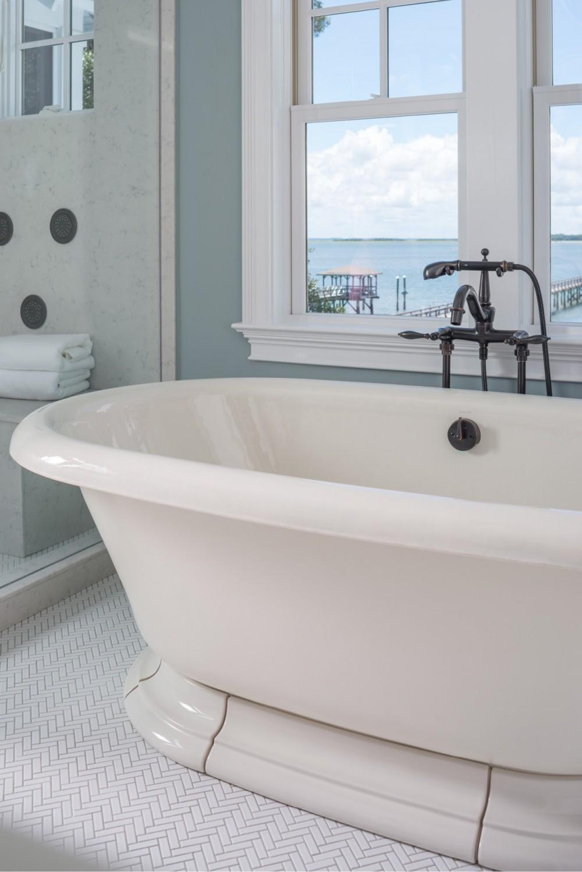 Vintage Bath 700, Finial Traditional Bath Faucet 331