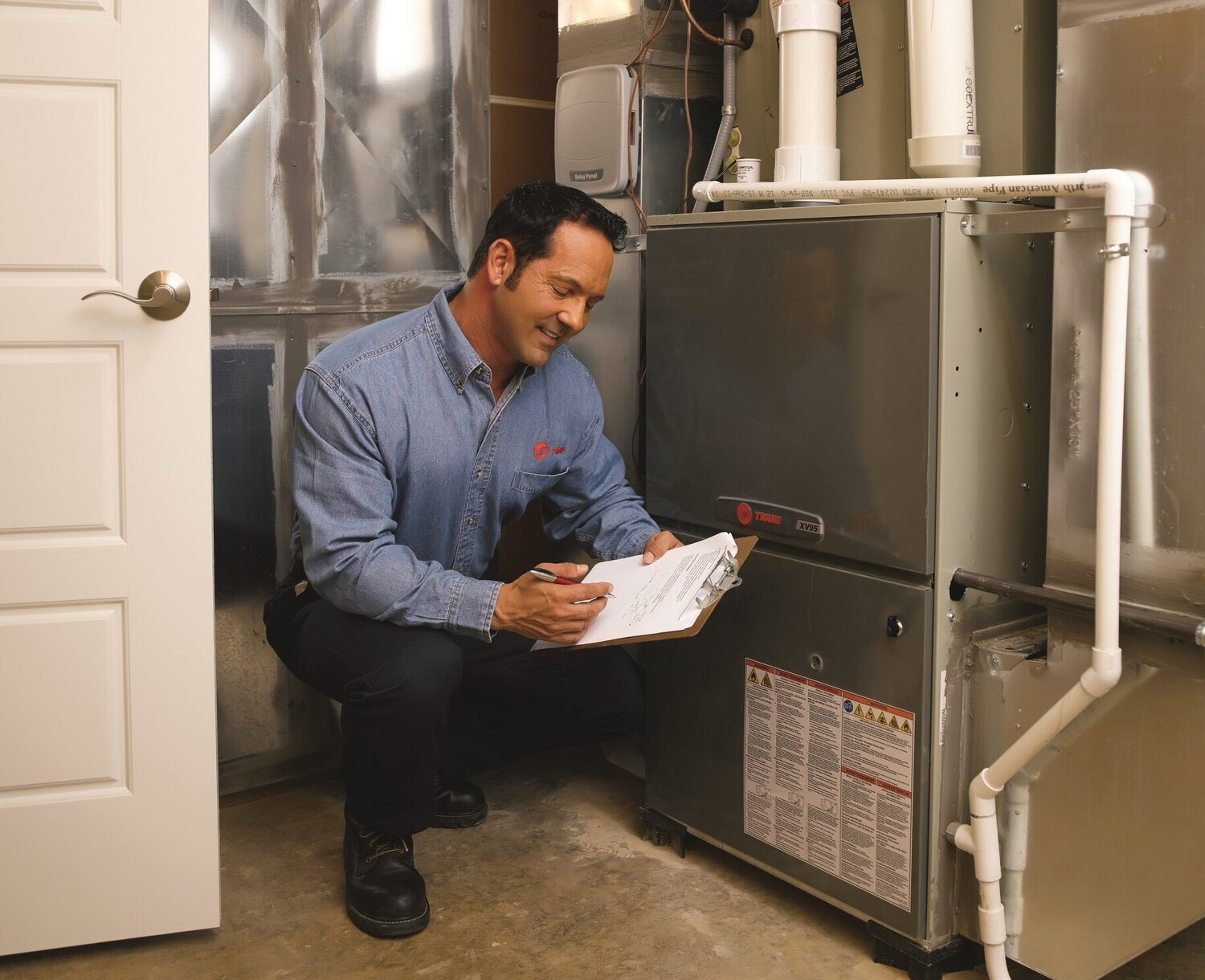 Licensed HVAC technicians to help with all your heating, cooling and water heating needs . Commercial and Resdiential Service, Repair and Installation.