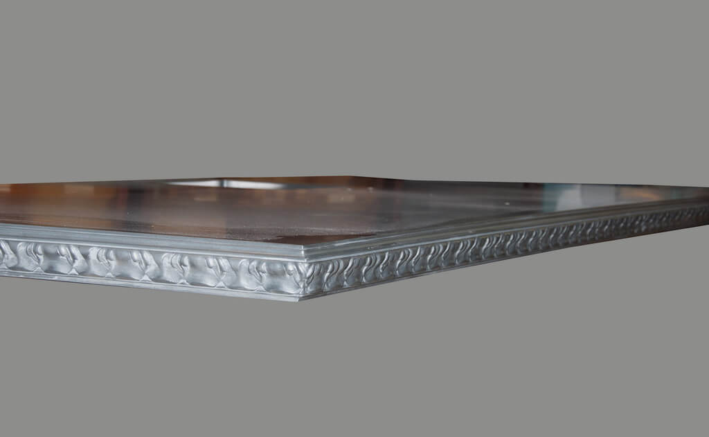 Acanthus Edge Profile on a Pewter Countertop