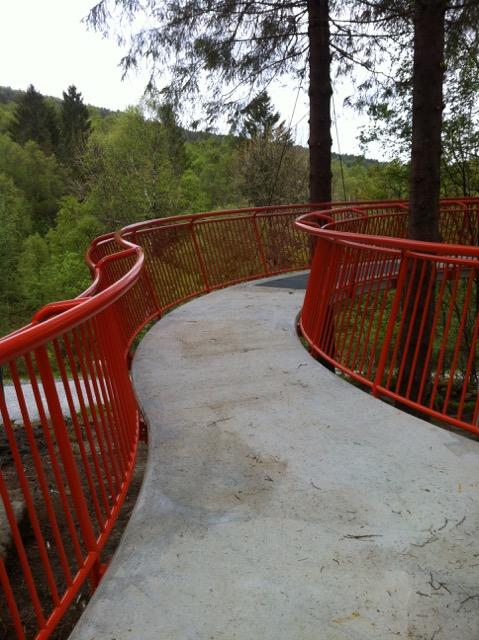 Prosjekt Løvstien Utsiktsplatå og hengebro for Bergen Kommune.jpeg