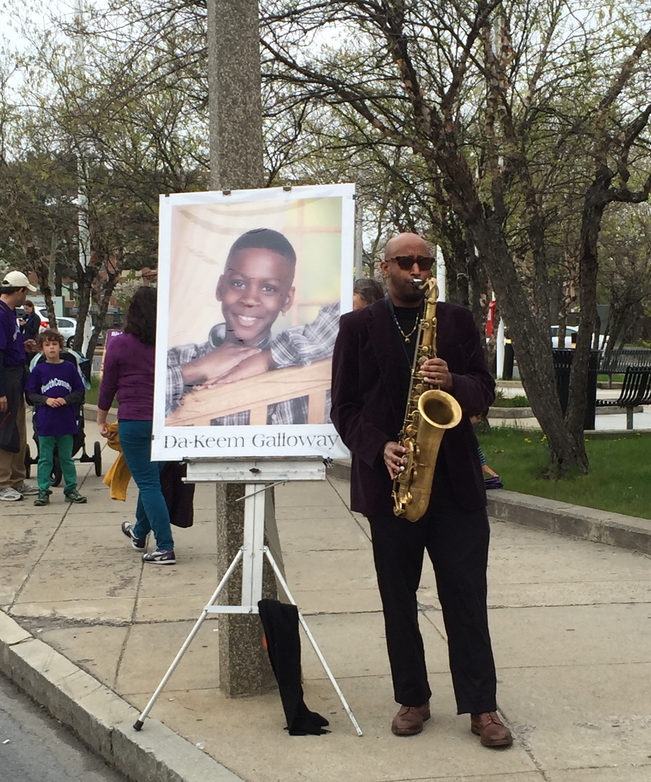 Danny Mekonnen honors Da-Keem Galloway at the 2016 Mother's Day Walk for Peace